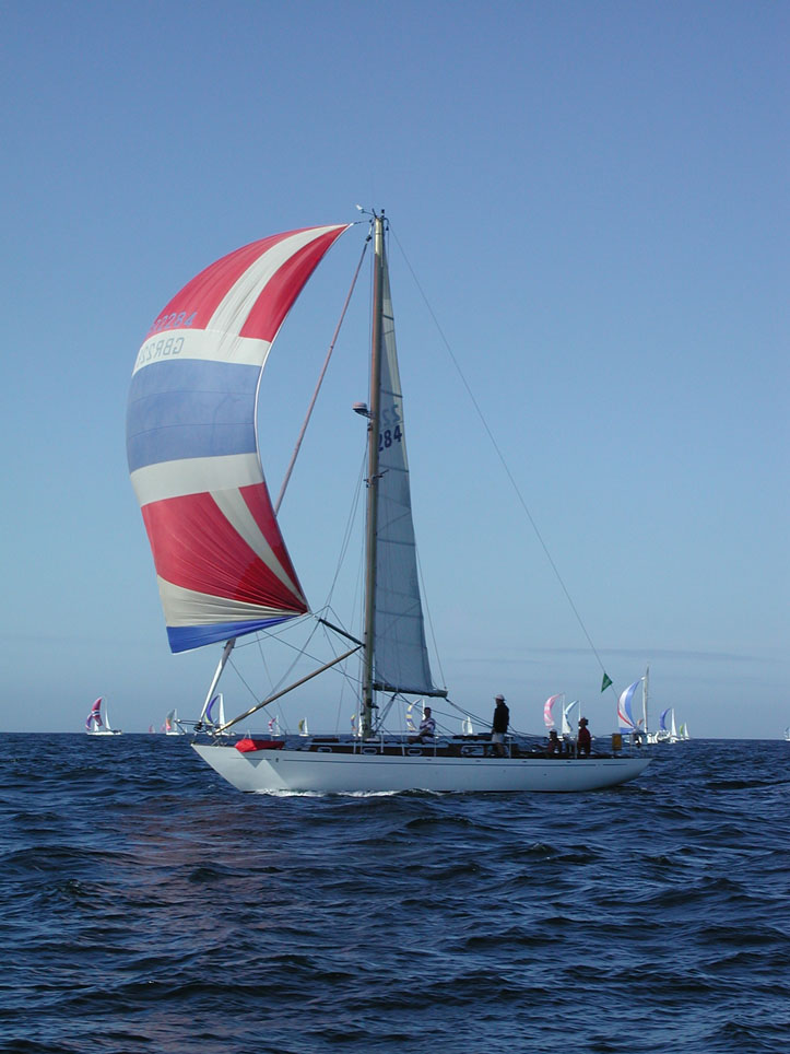Kalina on port reach with spinaker